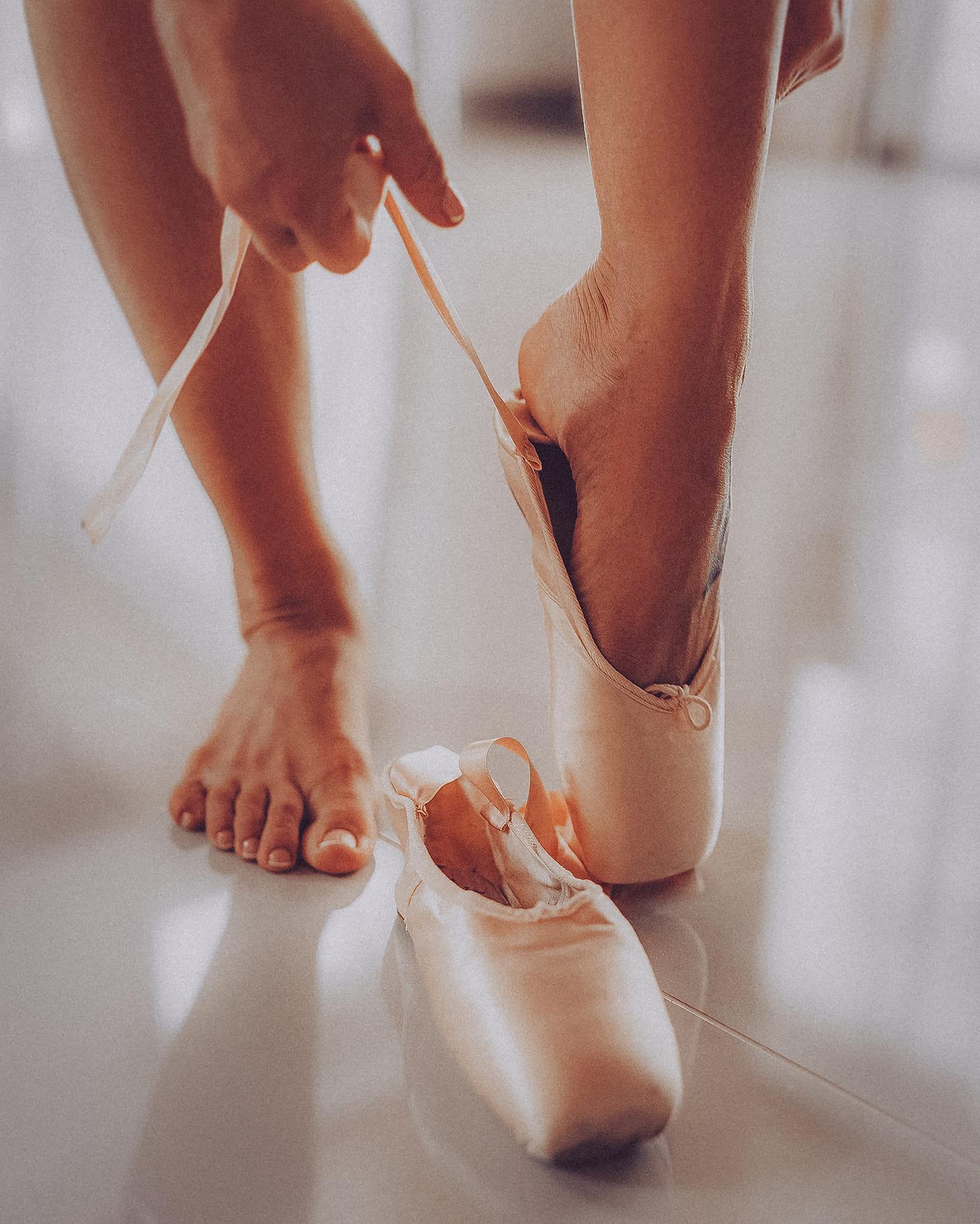sticker-strike-julia-legs-2